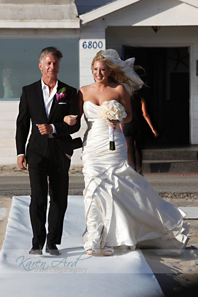 father-walking-bride-down-isle.jpg